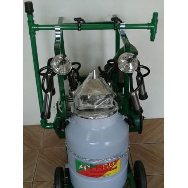 Ordenhadeira móvel com 1 conjunto duplo (ordenha 2 vacas ao mesmo tempo no mesmo balde) com Sistema de Lavagem Automática